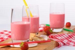 Strawberry Kiwiand Soy Protein Smoothie with Chia