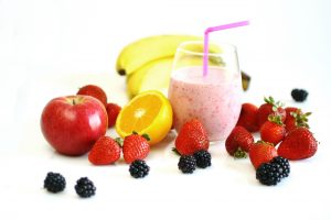 Apple Berry Orange and Banana Smoothie