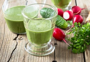 Radish Cucumber Pineapple and Parsley Smoothie