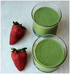 Broccoli Orange and Strawberry Smoothie