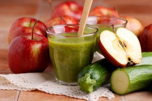 Zucchini Apple and Kiwi Smoothie