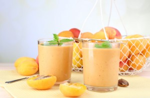 Low Calorie Apricot Pear and Almond Smoothie