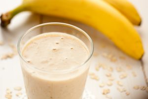 Easy Banana Soy Yogurt and Oat Smoothie Recipe