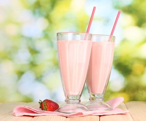 Healthy Strawberry Soya and Oat Smoothie Recipe