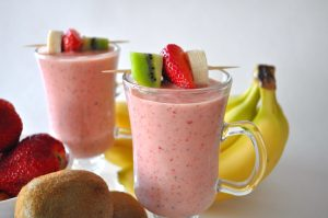 Easy Banana Kiwi and Pineapple Smoothie with Almond Recipe